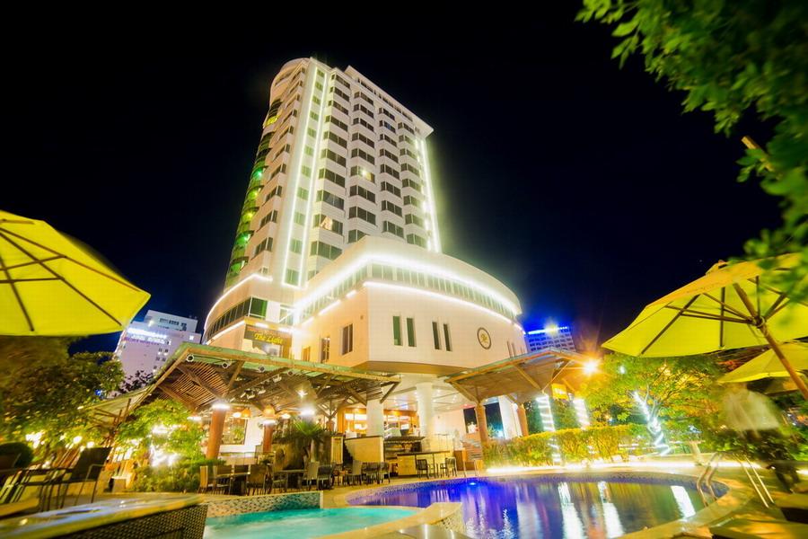 The Light Coral Isand Resort - Nha Trang