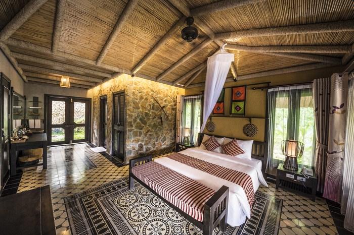 Phòng ngủ đậm phong cách cổ điển, rất khác biệt