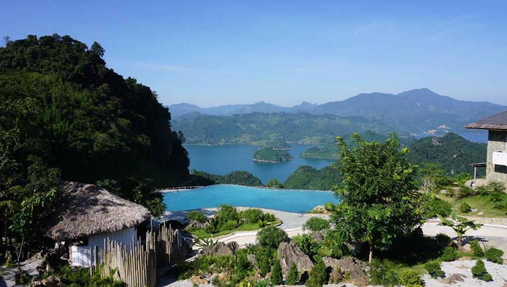 Bakhan Village Resort - Hòa Bình